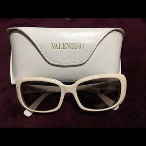 Valentino Sunglasses. Excellent conditions.